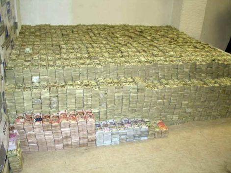 mennyi pénzt keresnek naponta