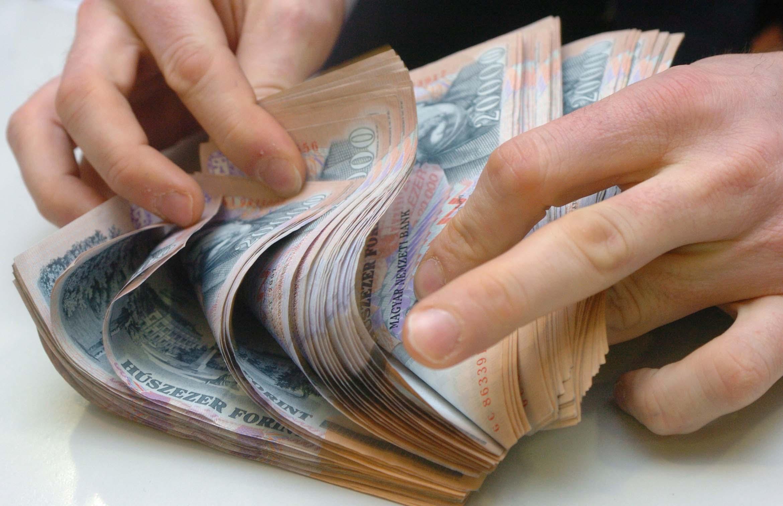 hogyan lehet pénzt keresni a köröm meghosszabbításával