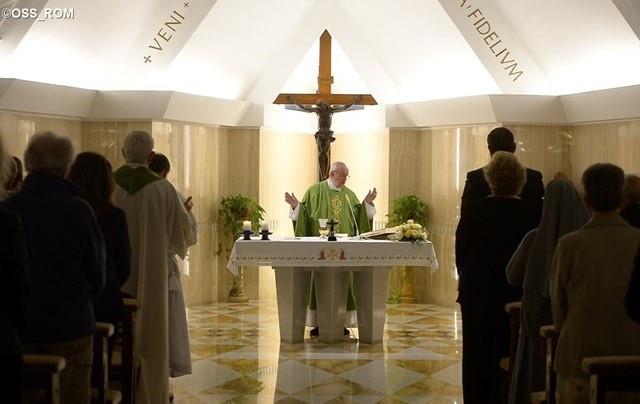 a papok ma pénzt keresnek