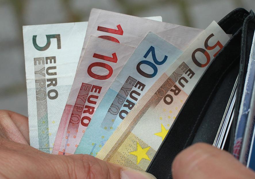 hogyan keresnek pénzt minimumból könnyű pénz 2020