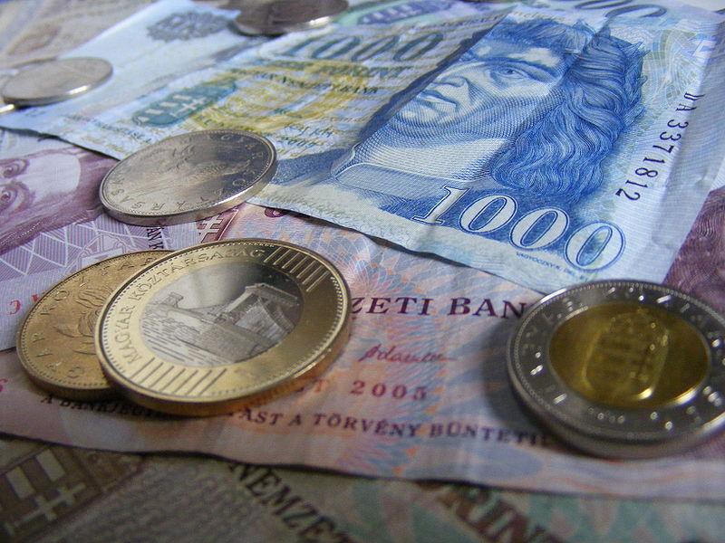 pénzt készpénzben